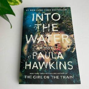 2/$20 PAULA HAWKINS Into The Water Book